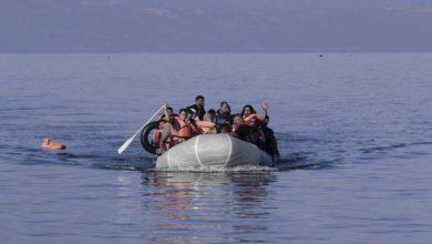 Photo of Ακυβέρνητη βάρκα στον Ακαμα με μετανάστες